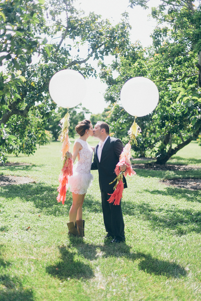 country-brunch-balloon-tassels