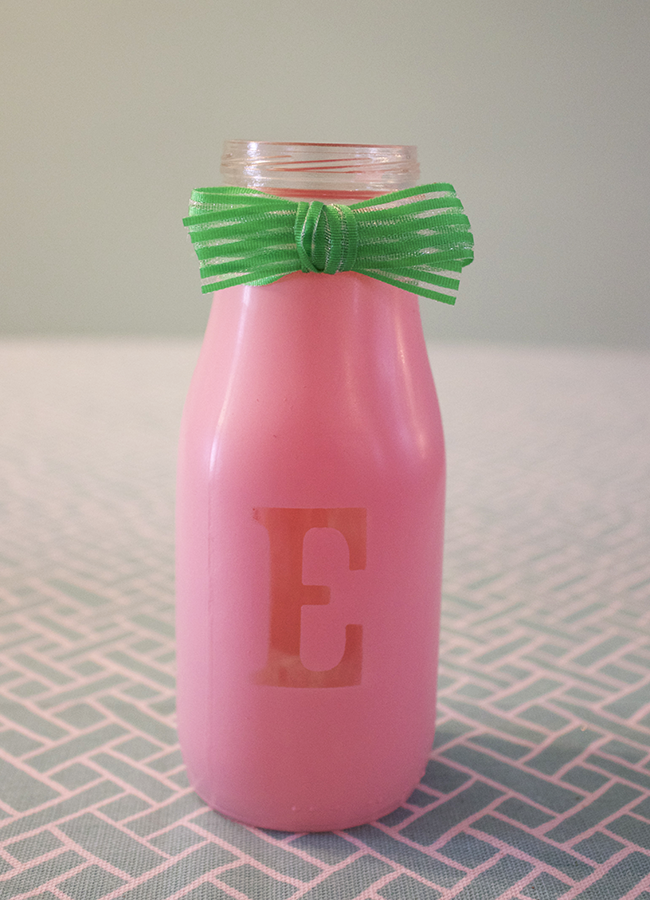 DIY Bottle Place Cards Pink and Bow
