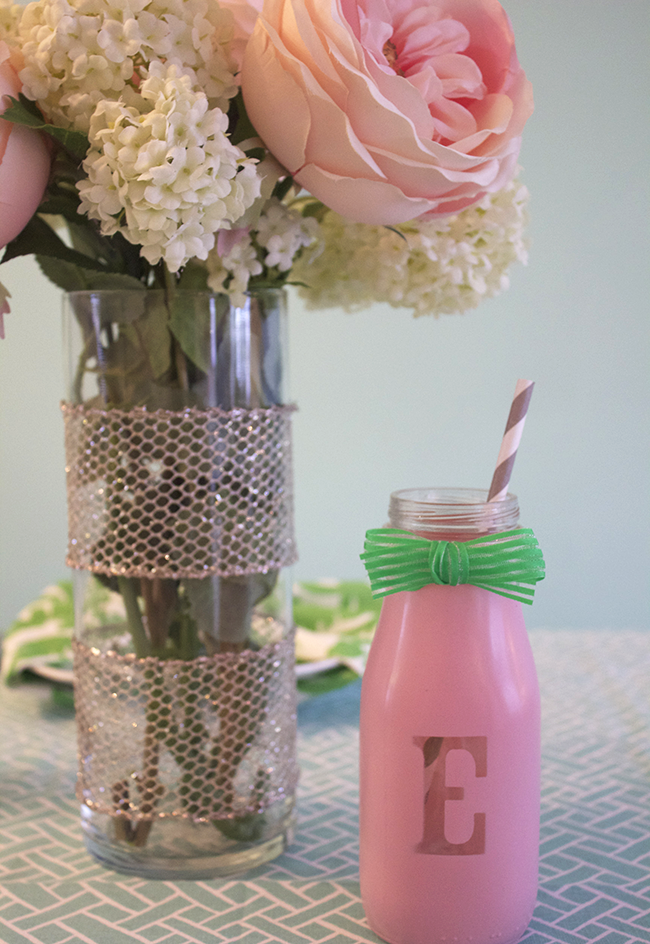 DIY Bottle Place Cards and Flowers
