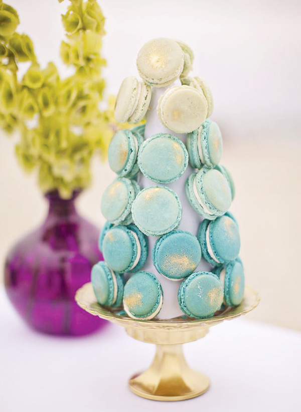 ombre-blue-macaron-tower