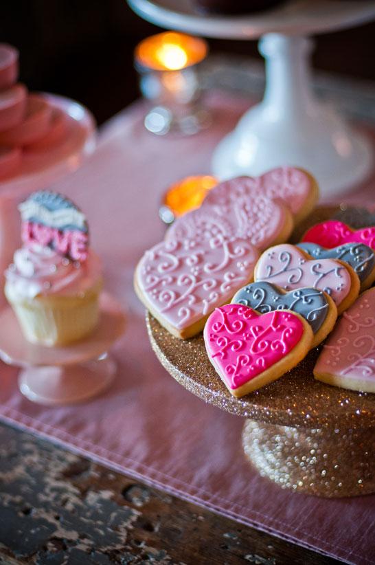 pink_gold_dessert_table_2