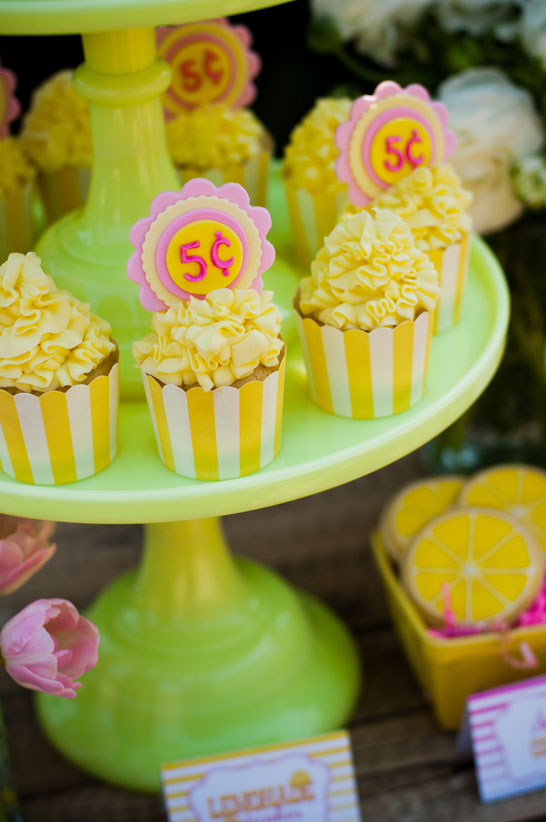 lemonade_dessert_table_3