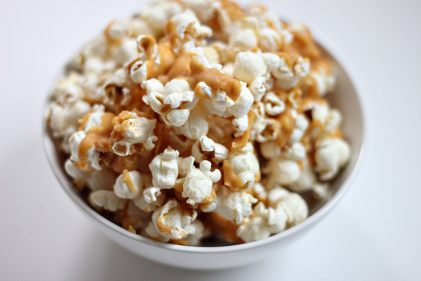 Pumpkin Spice White Chocolate Popcorn Recipe