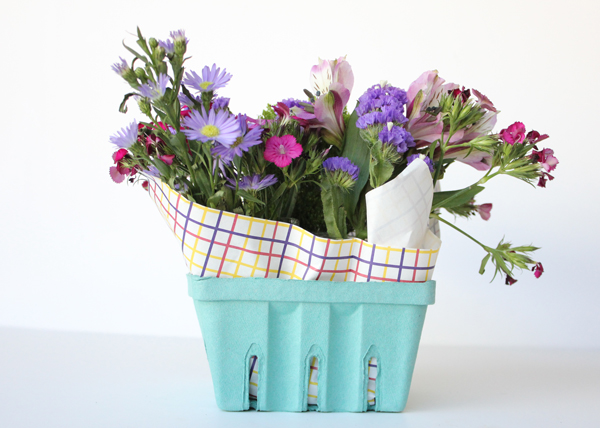Basket Flower Arrangement Step By Step : Berry basket floral arrangement tutorial the flair