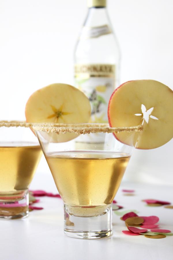 Apple-Pie-Martini-Cocktail-